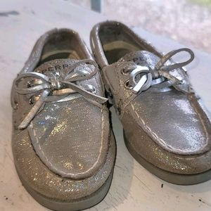Girls Sperry Topsider Silver Holographic Sz 7
